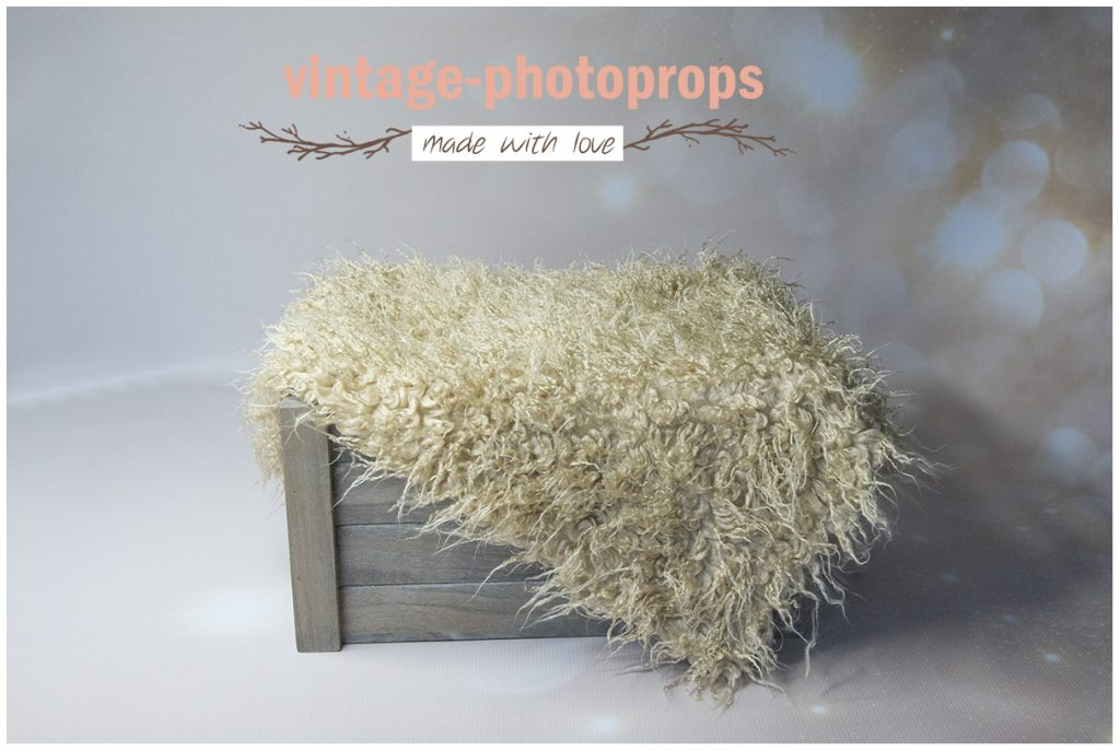 Faux fur krullig beige 50 x 75/80 cm