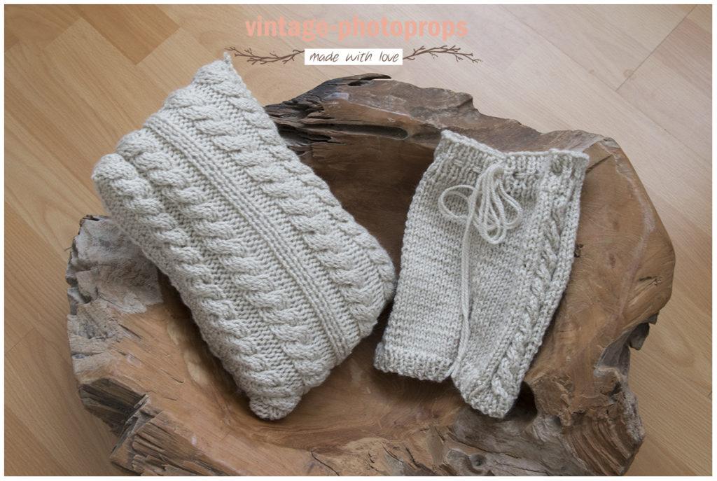 Newborn zandkleur broekje met ribbel zijkant + kussentje