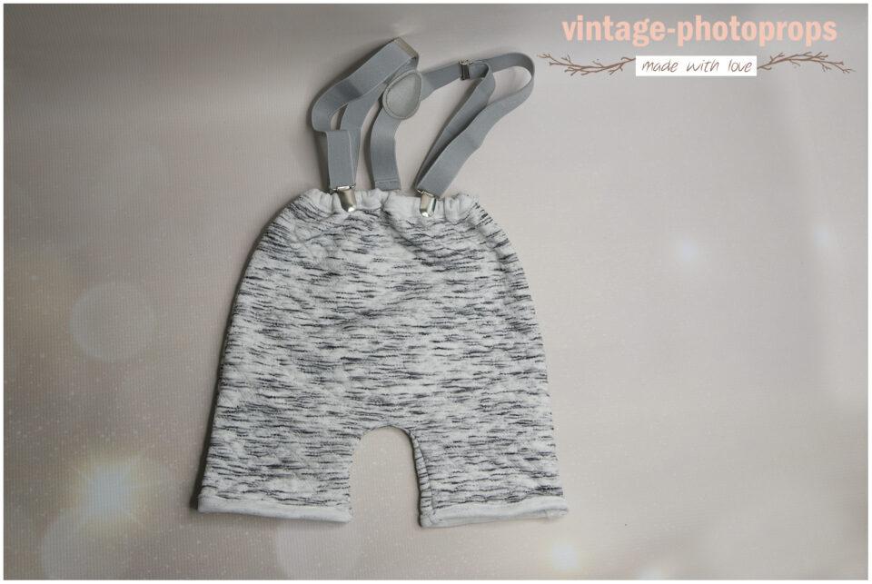 photo props - Cakesmash broekje met bretels lichtgrijs maat 80 DSC2873 960x643 - Home