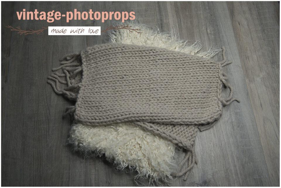 photo props - Layer grungy gebreid en faux fur DSC2911 960x643 - Home