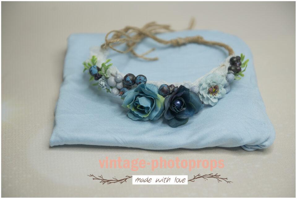 photo props - Wrapset light bleu met bloemenkransje bleu flowers DSC2896 960x643 - Home